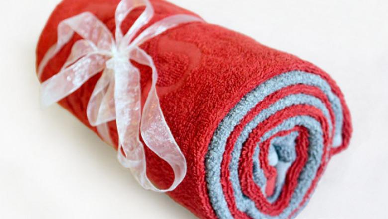 отец красиво упаковать полотенце в подарок фото главной наклонной